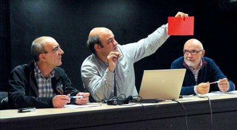 EHIren Jose Luis Sukia, kudeaketa arduraduna; Koldo Tellitu, lehendakaria; eta, Imanol Igeregi, zuzendaria