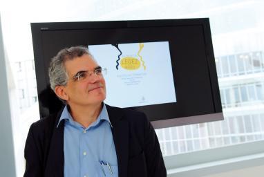 Adrian Zelaia, EKAI Center-eko lehendakaria